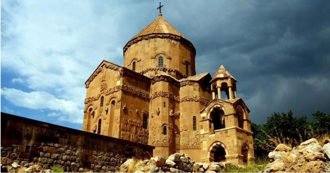 مکان های دیدنی وان در ترکیه - شرکت هواپیمایی پاژسیر مجری تورهای اقساطی از مشهد و تورهای ورودی به مشهد