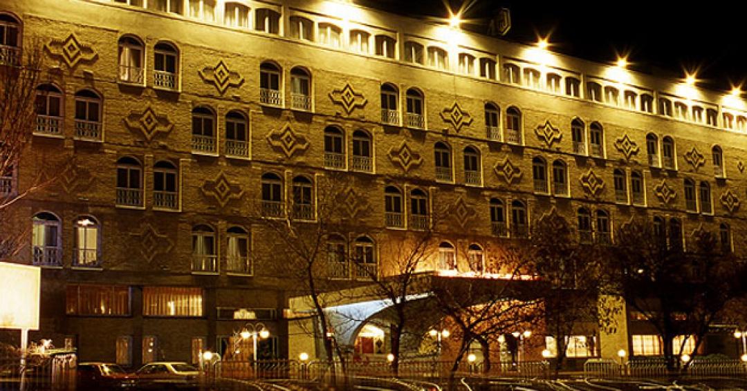 هتل 4 ستاره بین المللی در تبریز - شرکت هواپیمایی پاژسیر مجری تورهای اقساطی از مشهد
