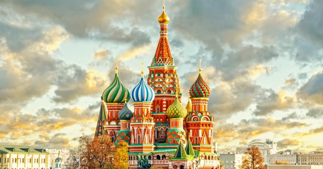 جاذبه گردشگری کاخ کرملین در مسکو - شرکت هواپیمایی پاژسیر مجری تورهای اقساطی از مشهد