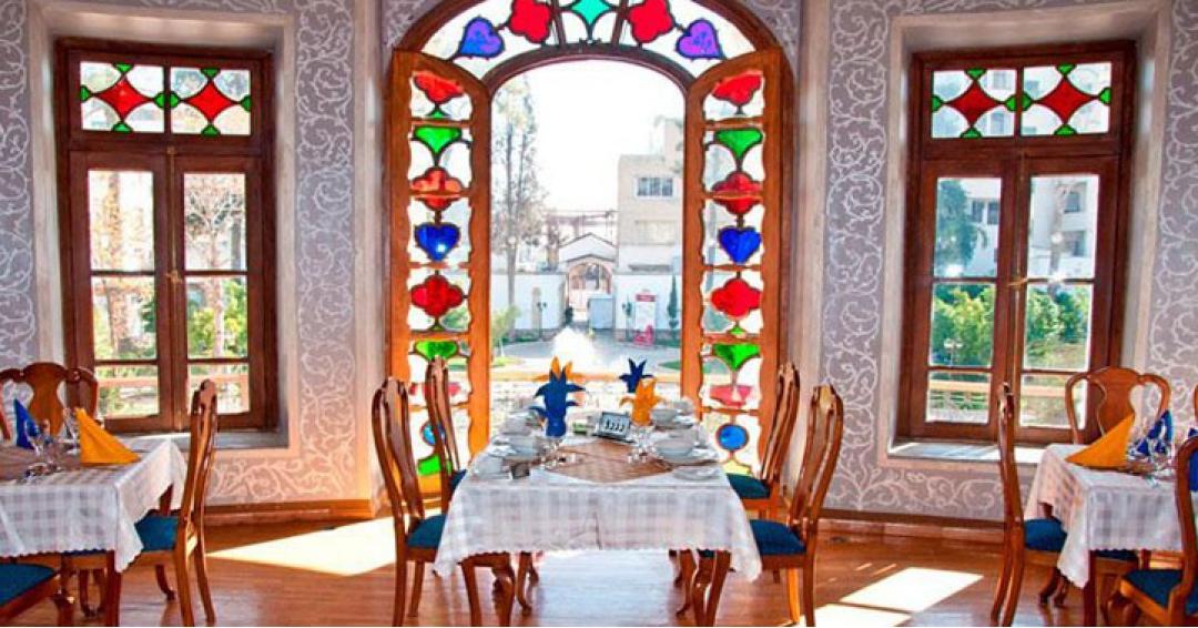 بهترین رستوران های شیراز - شرکت هواپیمایی پاژسیر مجری تورهای اقساطی از مشهد