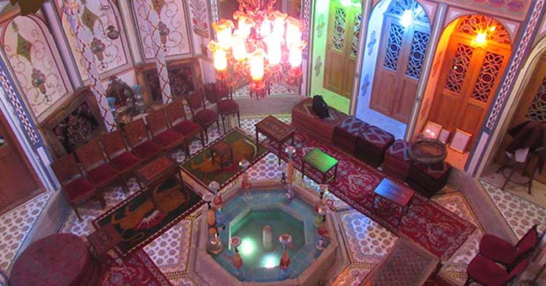 خانه تاریخی ملاباشی در اصفهان - شرکت هواپیمایی پاژسیر مجری تورهای اقساطی از مشهد