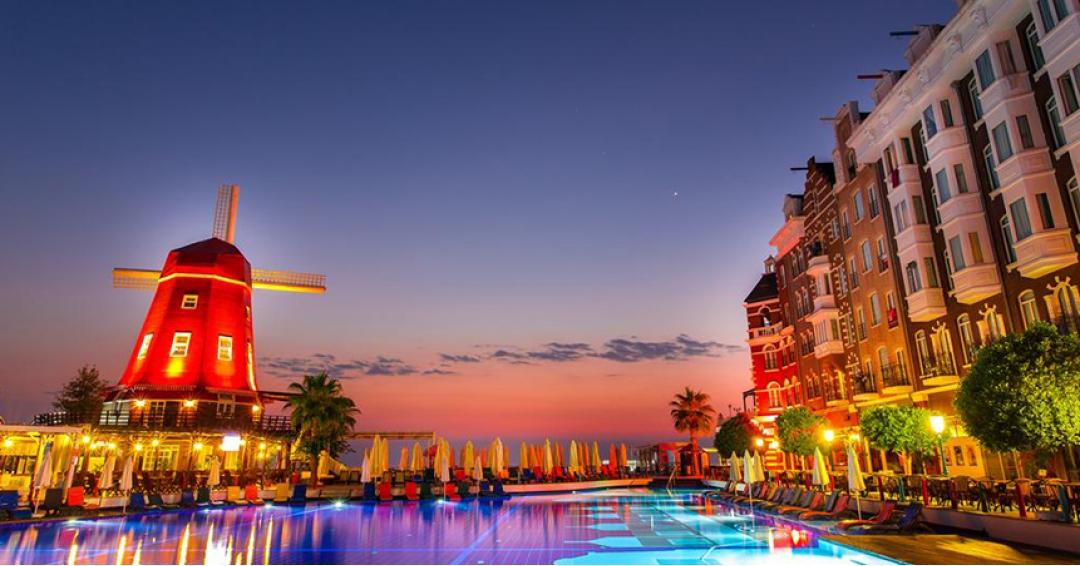 هتل 5  ستاره اورنج کانتی در آنتالیا - شرکت هواپیمایی پاژسیر مجری تورهای اقساطی از مشهد
