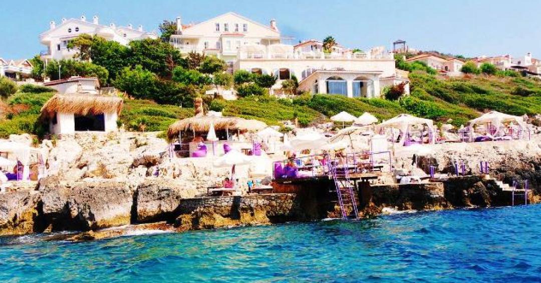 هتل 4 ستاره لوکا اکسکلاسیو در آنتالیا - شرکت هواپیمایی پاژسیر مجری تورهای اقساطی از مشهد