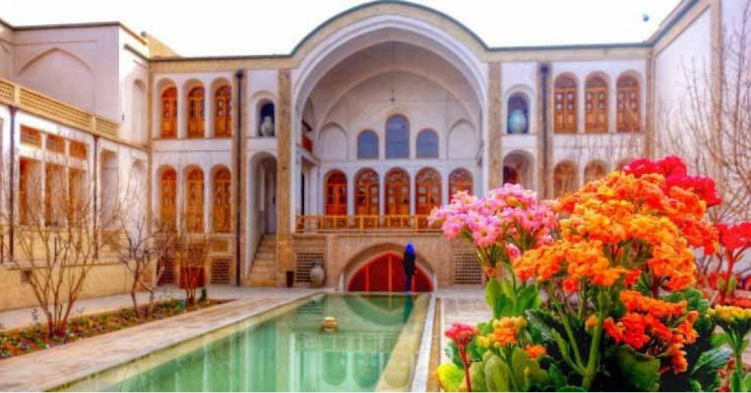 جاذبه گردشگری کاشان - شرکت هواپیمایی پاژسیر مجری تورهای اقساطی از مشهد