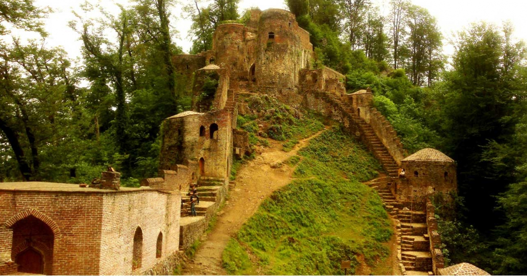 قلعه رودخان در گیلان - شرکت هواپیمایی پاژسیر مجری تورهای اقساطی از مشهد