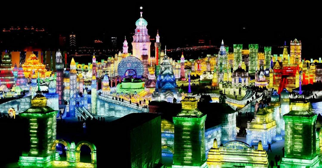 شهر تمام یخی در چین - شرکت هواپیمایی پاژسیر مجری تورهای اقساطی از مشهد