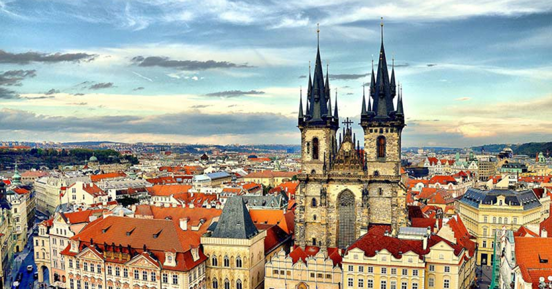 پراگ پایتخت جمهوری چک - شرکت هواپیمایی پاژسیر مجری تورهای اقساطی از مشهد
