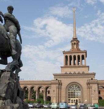 تور ارمنستان از تهران  شرکت هواپیمایی پاژسیر مجری تور های اقساطی