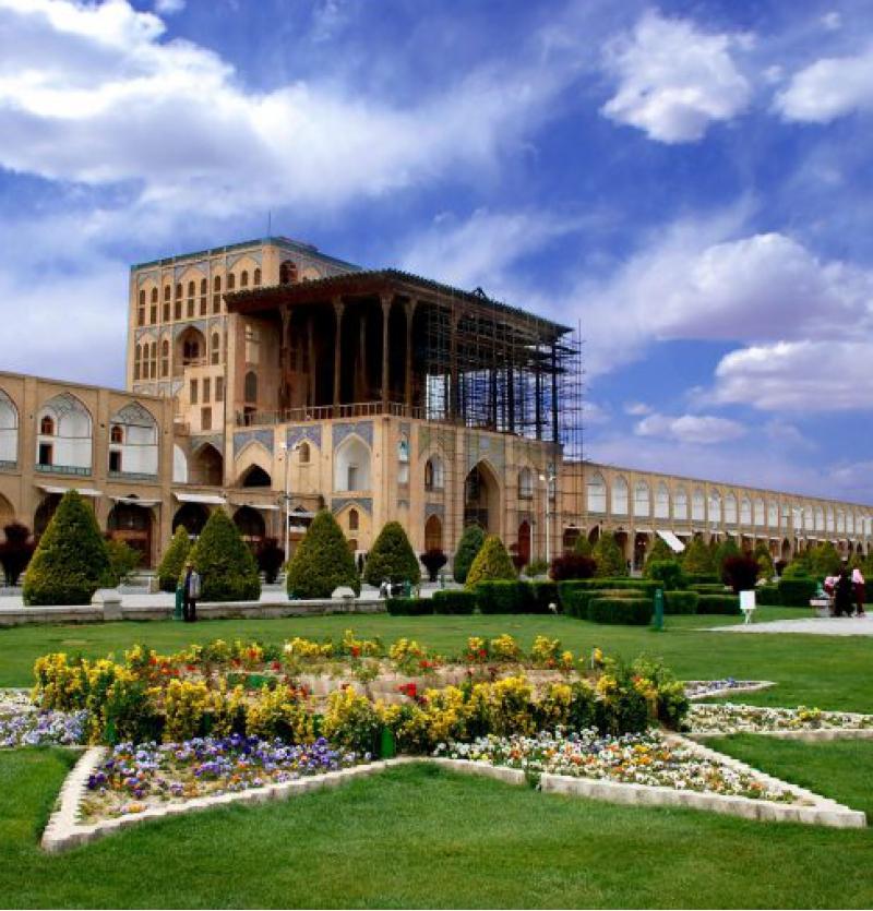 تور اصفهان - شرکت هواپیمایی پاژسیر مجری تورهای اقساطی از مشهد