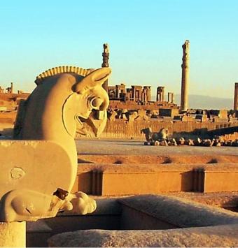تور ویژه تعطیلات شیراز - شرکت هواپیمایی پاژسیر مجری تورهای اقساطی از مشهد