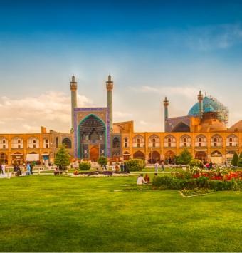 تور اصفهان 4 روزه - شرکت هواپیمایی پاژسیر مجری تورهای اقساطی از مشهد