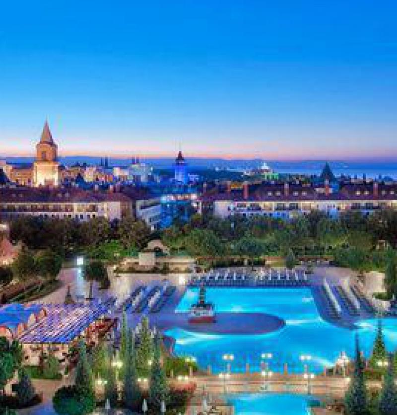 تور آنتالیا هتل 4* -شرکت هواپیمایی پاژسیر مجری تورهای اقساطی از مشهد
