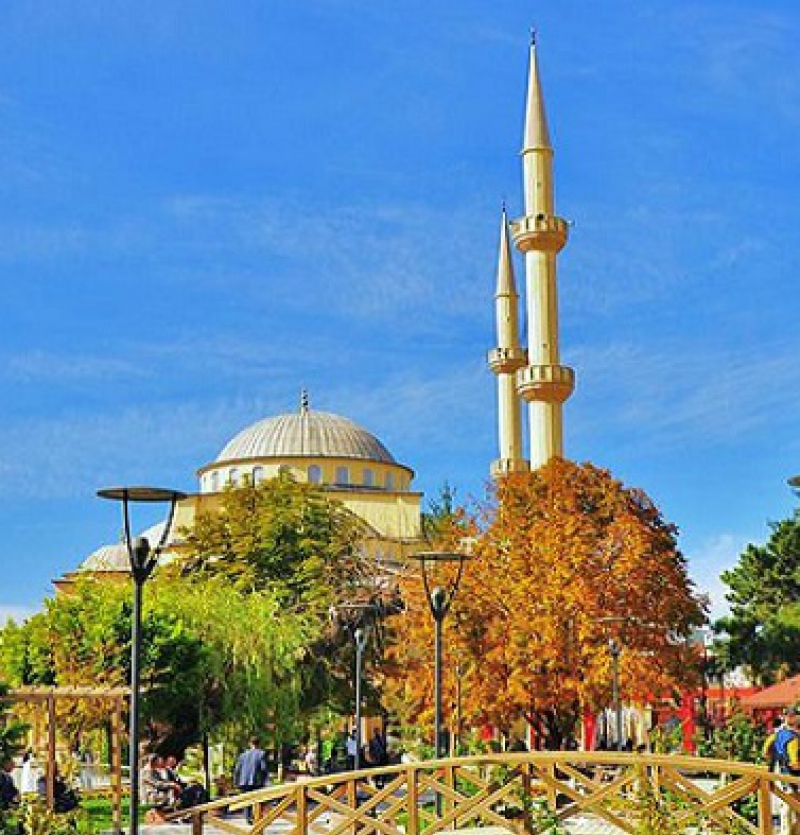 تور زمینی با قطار ( وان ترکیه از مشهد ) سفری ارزان به بزرگترین شهر شرق ترکیه  7 روزه - شرکت هواپیمایی پاژسیر مجری تورهای اقساطی از مشهد
