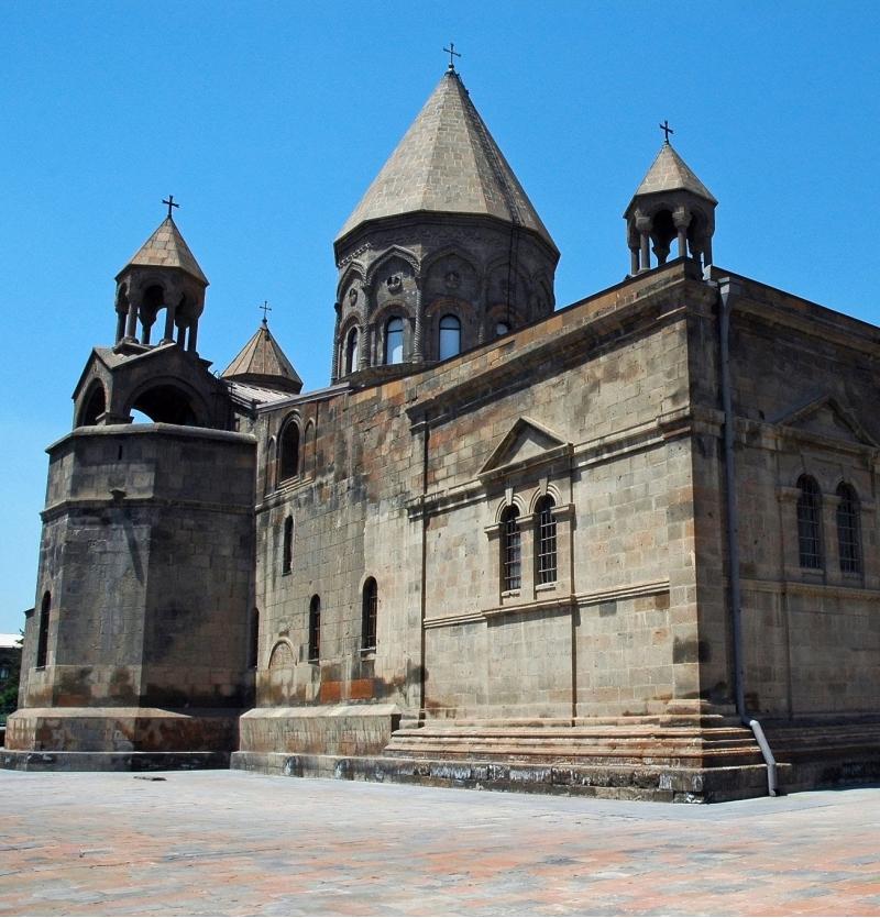 تور ارمنستان  ازتهران با  پرواز آرمنیا 5 روزه تاریخ 11 مهر - شرکت هواپیمایی پاژسیر مجری تورهای اقساطی از مشهد