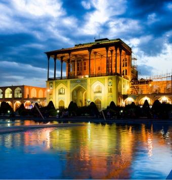 تور اصفهان ویژه12 آبان ماه به انتخاب شما ریلی و هوایی 4روزه -شرکت هواپیمایی پاژسیر مجری تورهای اقساطی از مشهد