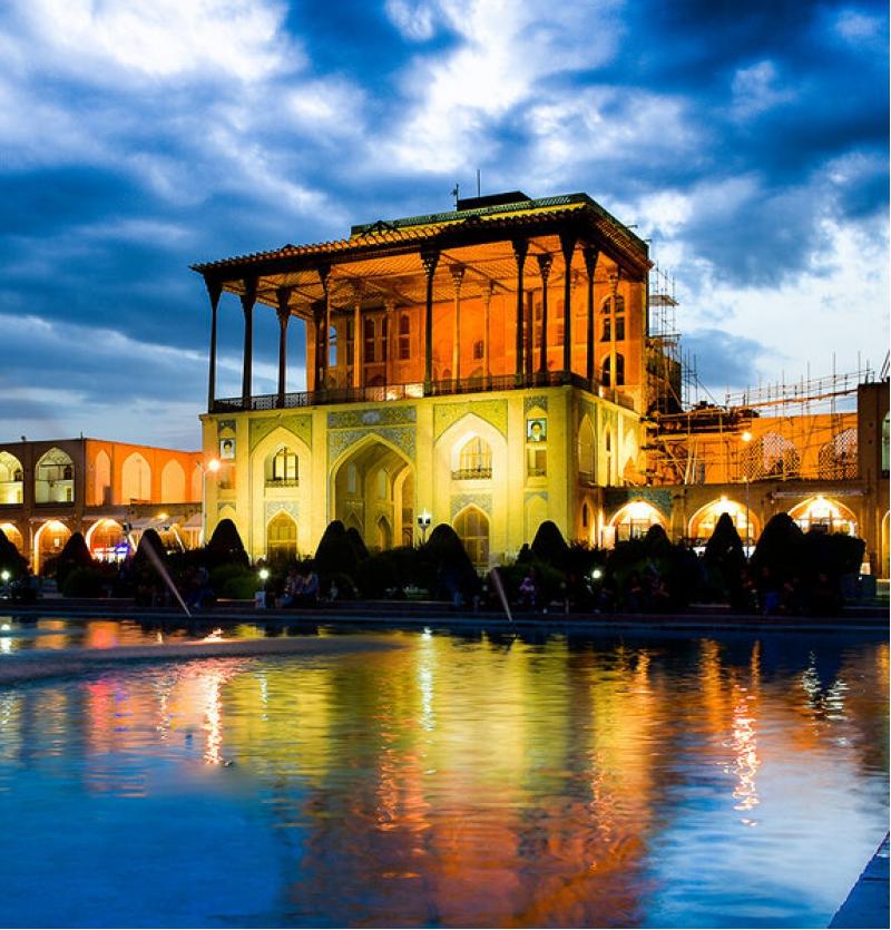 تور اصفهان ویژه 18اسفندماه 4روزه- آژانس هواپیمایی پاژسیر مجری تورهایی اقساطی از مشهد